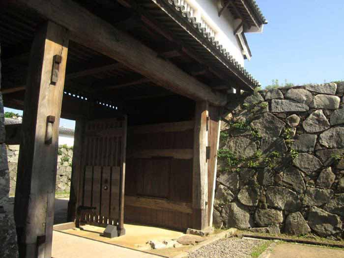 An ancient gate in Fufuoka